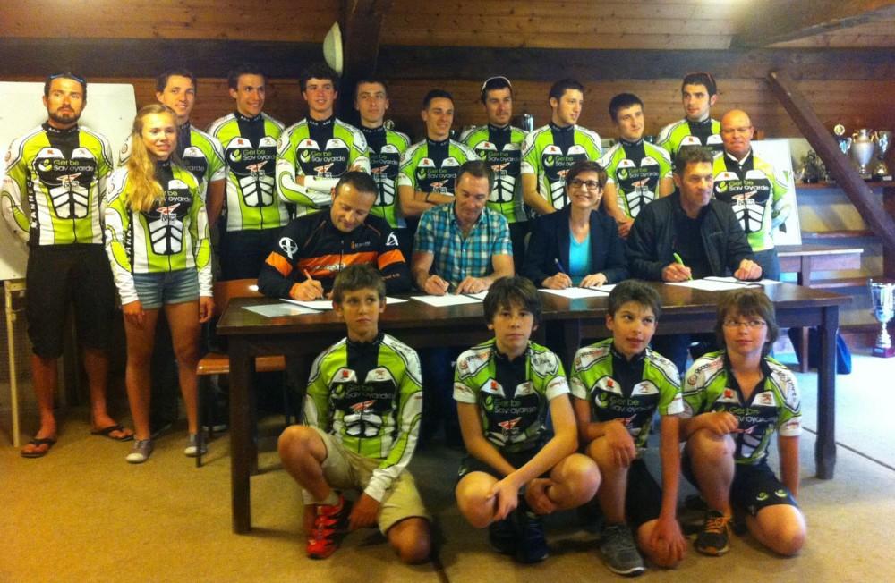Nos sponsors signent les conventions avec Annecy Cyclisme Compétition