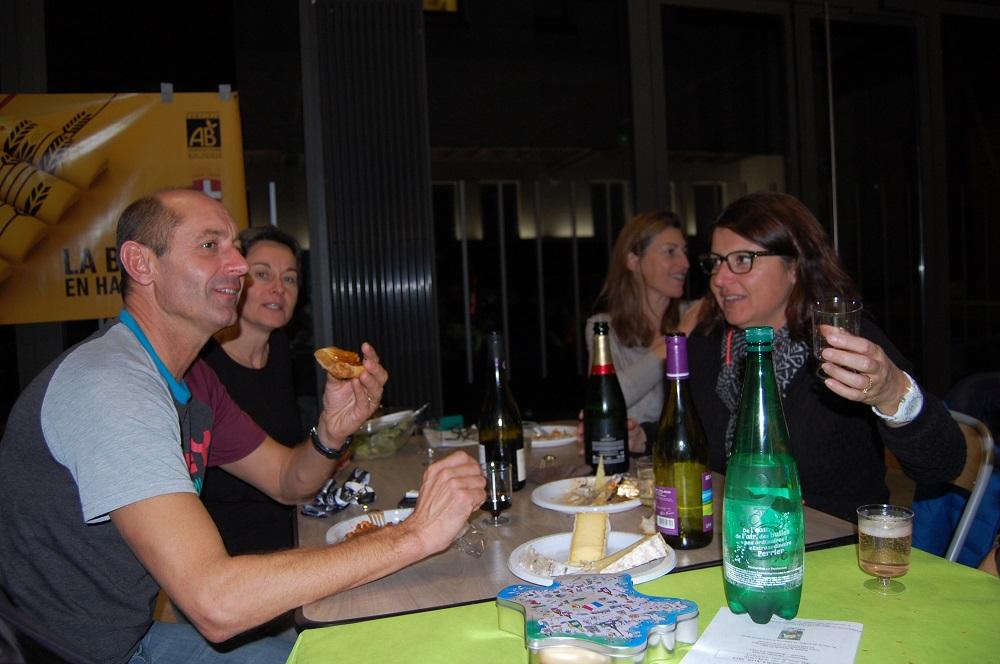 Serge, Véronique et Karine peuvent trinquer à la bonne santé du club!