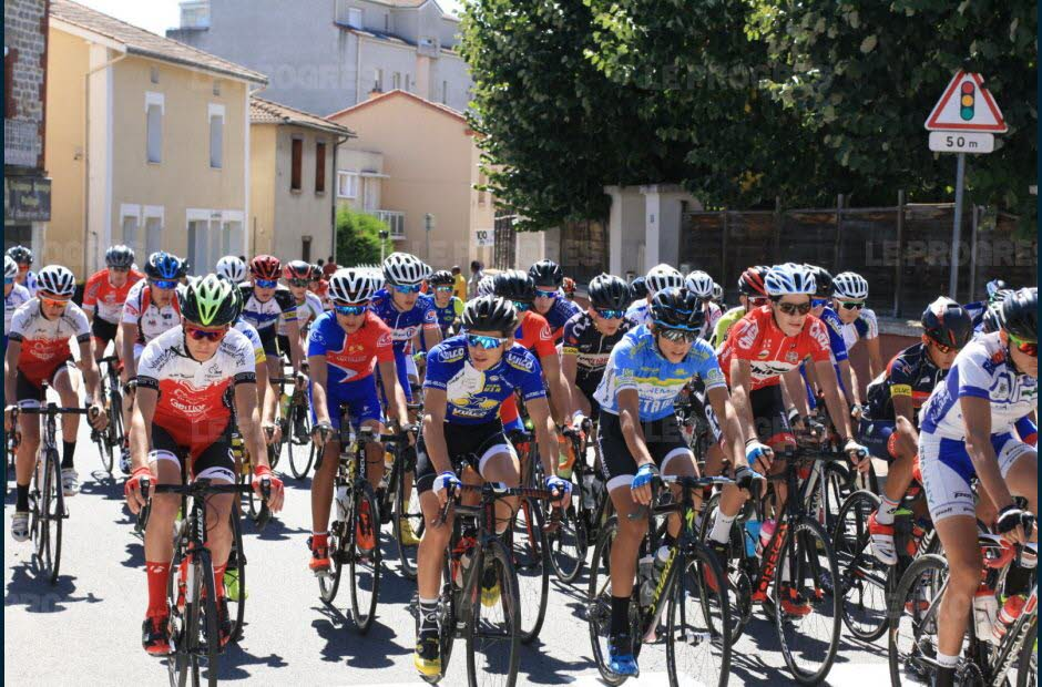 un-beau-peloton-photo-guy-crozier-1535296916